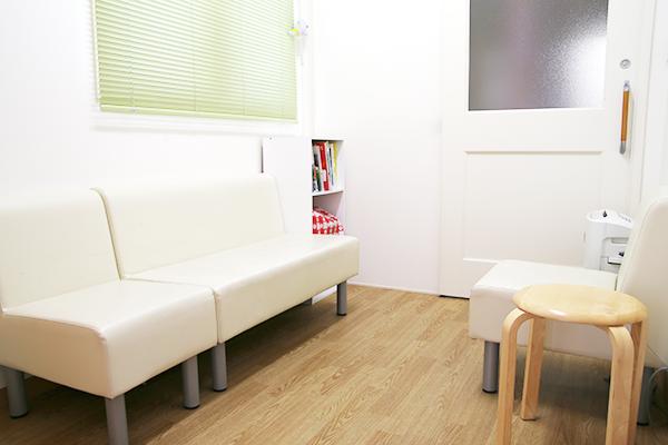 健診・予防接種専用待合室
